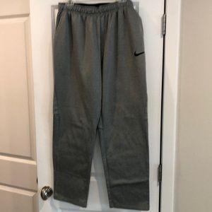 Men's Nike DriFit sweatpants 🛍